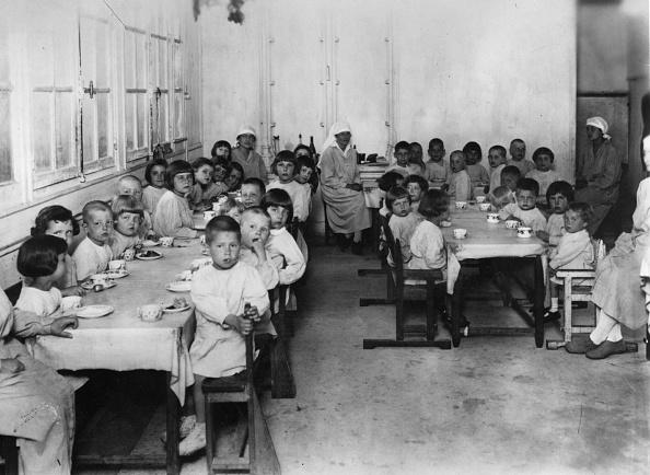 Dining Room「Orphan Children」:写真・画像(19)[壁紙.com]