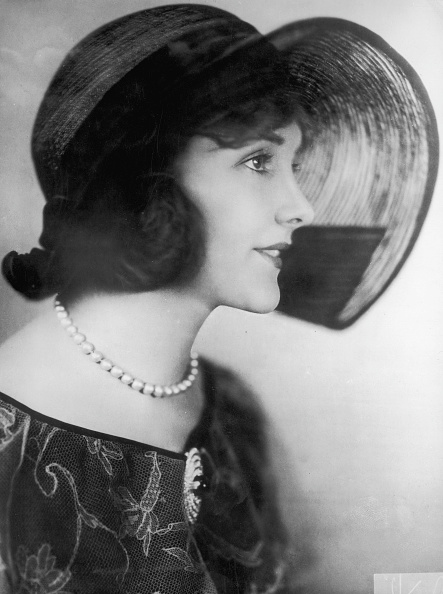 Headwear「Jeanne Eagels」:写真・画像(1)[壁紙.com]