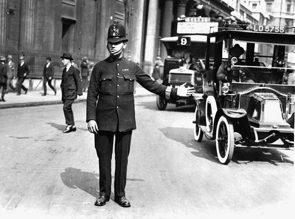 Bus「Traffic Police」:写真・画像(10)[壁紙.com]