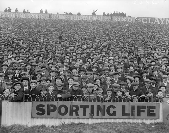 Monochrome「Football Crowd」:写真・画像(17)[壁紙.com]