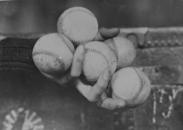 Monochrome「Baseball Hold」:写真・画像(12)[壁紙.com]