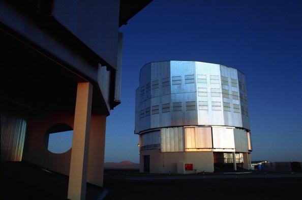 October「CHL: VLT Observatory」:写真・画像(2)[壁紙.com]