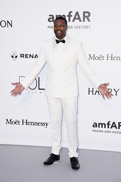 White Blazer「amfAR's 23rd Cinema Against AIDS Gala - Arrivals」:写真・画像(10)[壁紙.com]