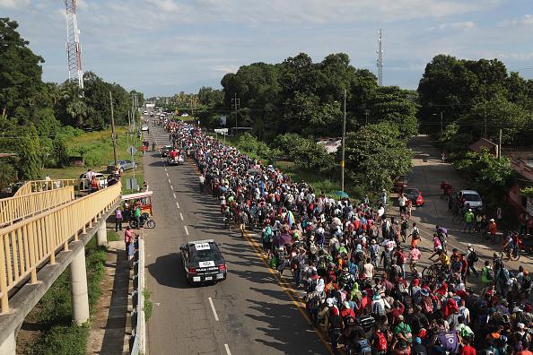 Refugee「Migrant Caravan Crosses Into Mexico」:写真・画像(18)[壁紙.com]