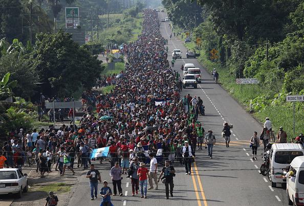 Refugee「Migrant Caravan Crosses Into Mexico」:写真・画像(13)[壁紙.com]