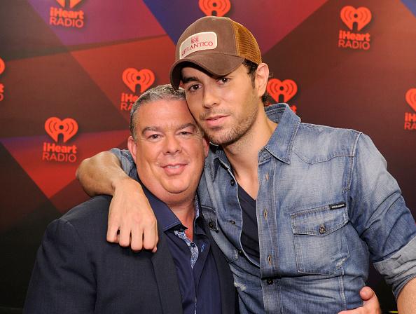 Enrique Iglesias - Singer「2012 iHeartRadio Music Festival - Day 2 - Elvis Duran Broadcast Room」:写真・画像(13)[壁紙.com]