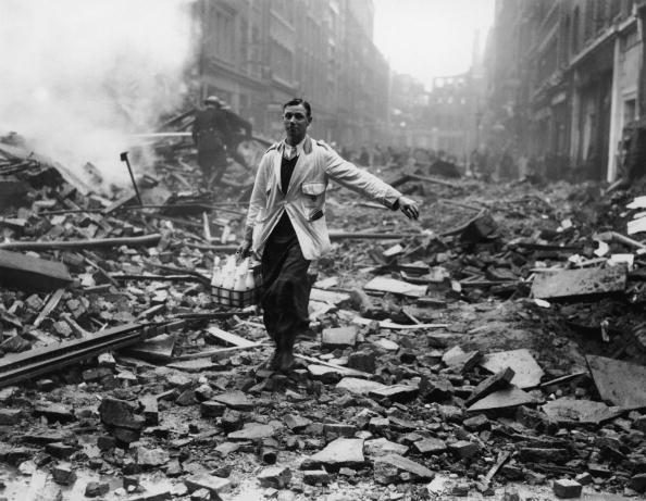 英国 ロンドン「Delivery After Raid」:写真・画像(16)[壁紙.com]