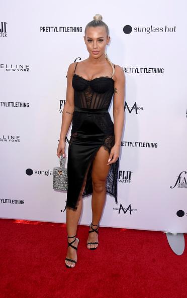 シルバーのハンドバッグ「The Daily Front Row's 5th Annual Fashion Los Angeles Awards - Arrivals」:写真・画像(5)[壁紙.com]