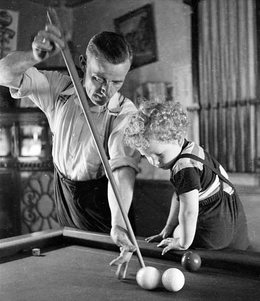 Taking a Shot - Sport「Billiard Baby」:写真・画像(19)[壁紙.com]