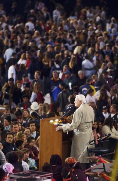 Preacher「Billy Graham Makes Last Crusade to San Diego」:写真・画像(4)[壁紙.com]