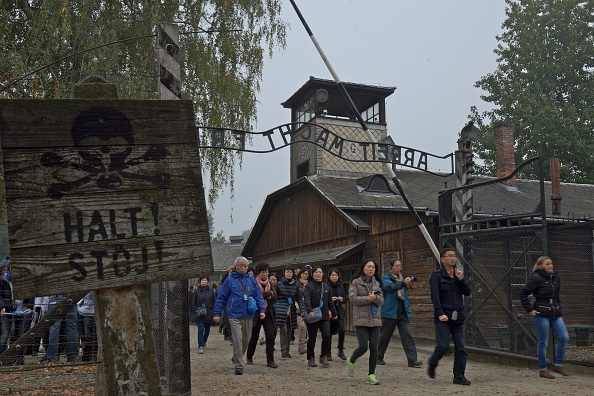 Gate「Auschwitz-Birkenau Memorial And Museum」:写真・画像(1)[壁紙.com]