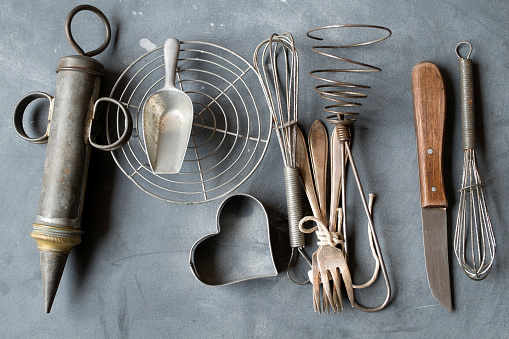 Retro「Group of vintage cooking utensils on gray background」:スマホ壁紙(2)