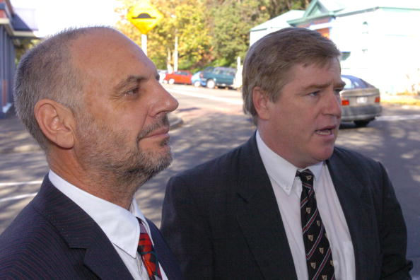 Wanganui - New Zealand「Dr Philip Nitschke, left, a supporter of euthanasi」:写真・画像(1)[壁紙.com]