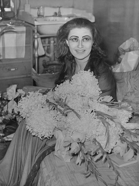 Bouquet「Eileen Herlie As Medea」:写真・画像(9)[壁紙.com]