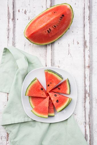 スイカ「Sliced watermelon」:スマホ壁紙(16)