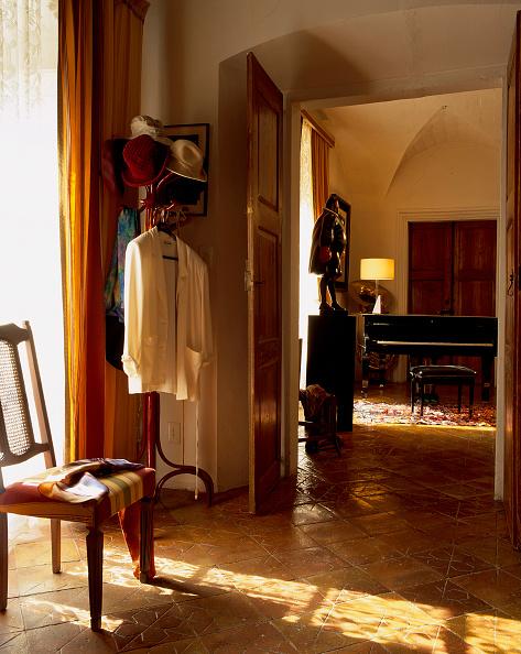 Lamp Shade「View of a rustic living room」:写真・画像(8)[壁紙.com]
