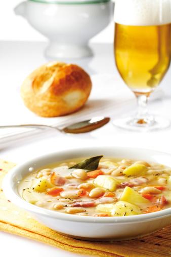 食事「'White bean soup with bacon, close-up'」:スマホ壁紙(4)