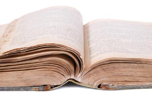 Manuscript「Open old book」:スマホ壁紙(9)