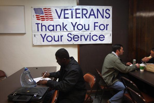 Veteran「U.S. Dept Of Labor Sponsors Veterans Employment Expo」:写真・画像(5)[壁紙.com]