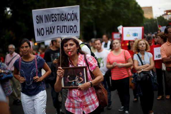 Pablo Blazquez Dominguez「Young Scientists Protest In Madrid Against Cutback In R&D In Sciences」:写真・画像(9)[壁紙.com]