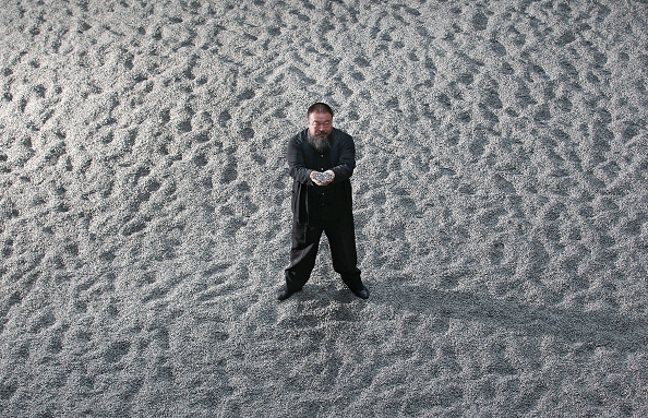 Installing「Chinese Artist Ai Weiwei Unveils This Year's Unilever Installation At The Tate Modern」:写真・画像(11)[壁紙.com]