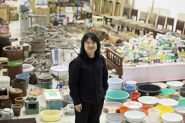 Barbican Art Gallery「Artist Song Dong Unveils His Installation Of Thousands Of Everyday Objects His Mother Collected Over 50 Years」:写真・画像(13)[壁紙.com]