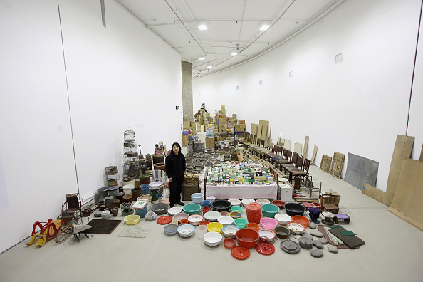 Barbican Art Gallery「Artist Song Dong Unveils His Installation Of Thousands Of Everyday Objects His Mother Collected Over 50 Years」:写真・画像(12)[壁紙.com]