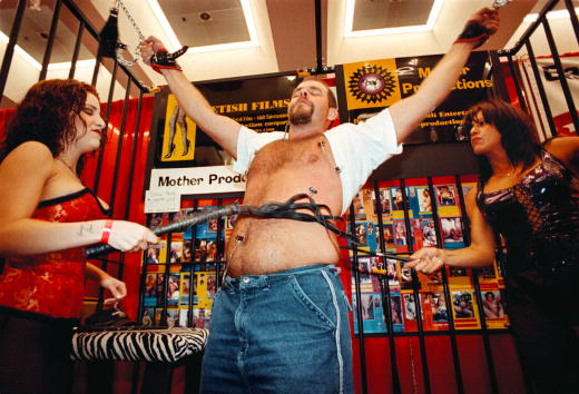 Tied Up「Erotica L.A. Convention」:写真・画像(19)[壁紙.com]
