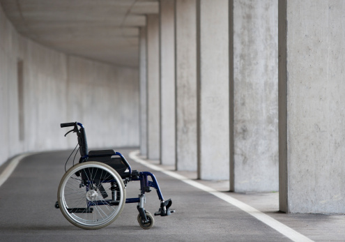 Accessibility for Persons with Disabilities「Austria, Empty wheelchair at Subway」:スマホ壁紙(17)