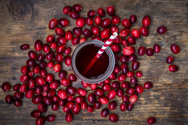 Cranberries and cranberry juice:スマホ壁紙(壁紙.com)