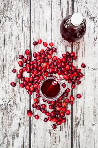 Cranberry Juice「Cranberries and cranberry juice」:スマホ壁紙(3)