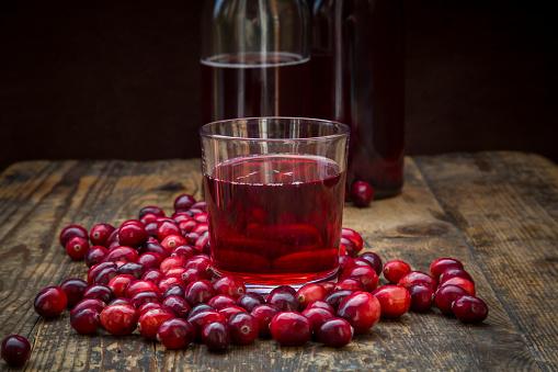 Cranberry Juice「Cranberries and cranberry juice」:スマホ壁紙(12)