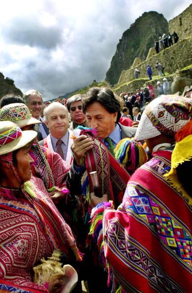 Bolivian Andes「Peruvian President Alejandro Toledo...」:写真・画像(8)[壁紙.com]