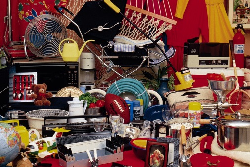 Second Hand Sale「Cluttered household items」:スマホ壁紙(5)