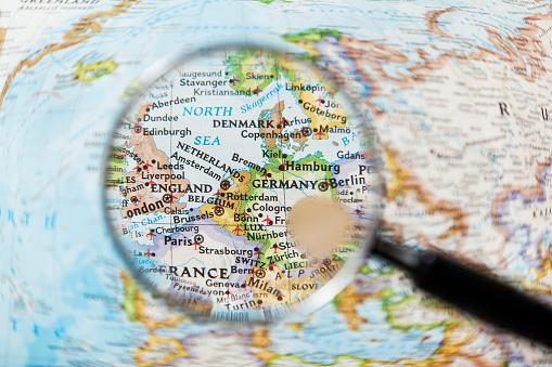 Map「NETHERLAND, BELGIUM ,DENMARK  and Magnifying glas」:スマホ壁紙(0)