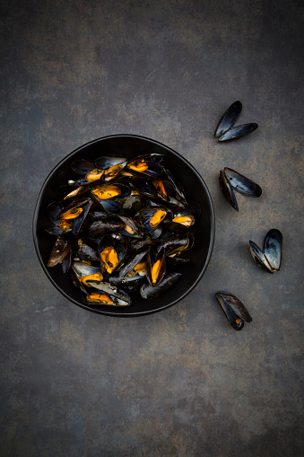 shell「Organic blue mussels in bowl」:スマホ壁紙(7)