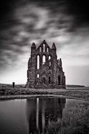 Sepia Toned「Whitby Abbey」:スマホ壁紙(19)