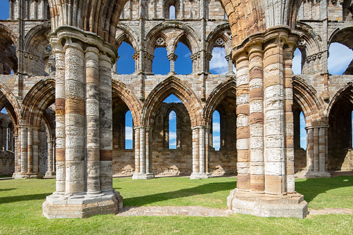 Roman「Whitby Abbey ruins - destroyed during the Dissolution of the Monasteries in 16th century, Whitby, England, 2018」:スマホ壁紙(10)