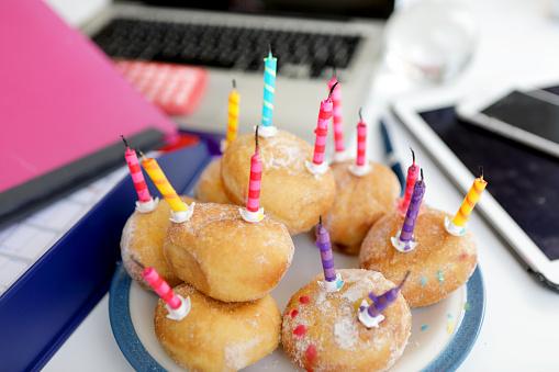 Birthday「donuts」:スマホ壁紙(8)