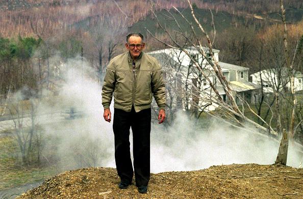 One Senior Man Only「Mayor Of Centralia」:写真・画像(10)[壁紙.com]