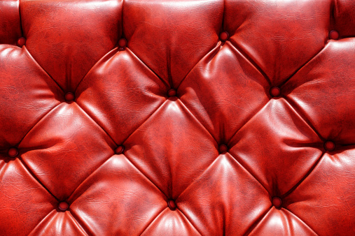 赤「レザーのソファー」:スマホ壁紙(2)