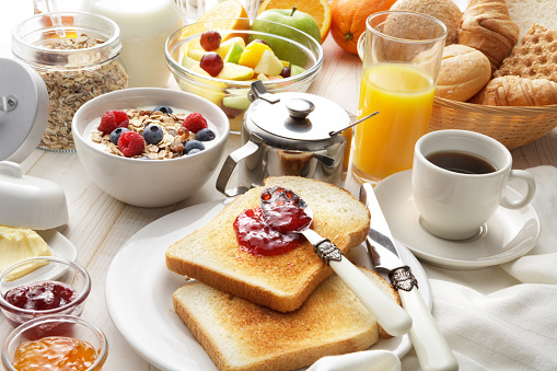 Toasted Food「Breakfast: Breakfast Table Still Life」:スマホ壁紙(5)