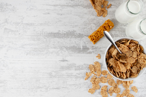 Dietary Fiber「Breakfast Background with Granola Bar and Corn Flakes」:スマホ壁紙(7)