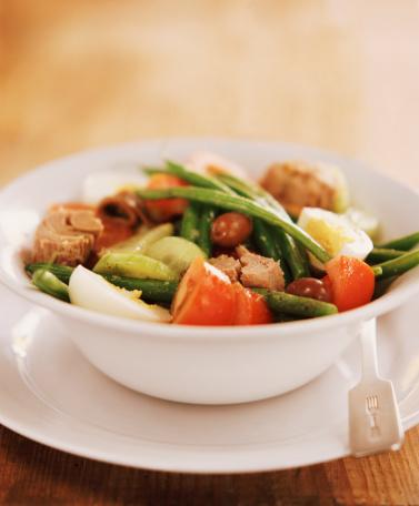 Bush Bean「Tuna Nicoise Salad in a Bowl」:スマホ壁紙(14)
