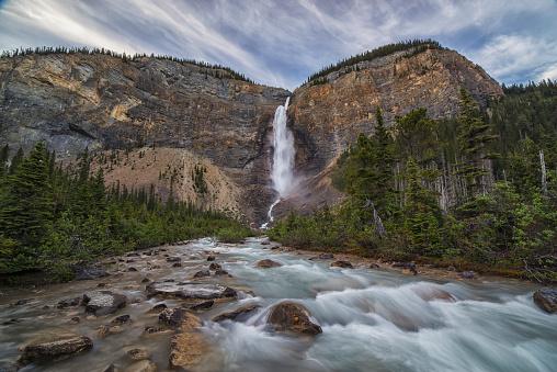 Yoho National Park「Takkakaw Falls, Yoho National Park; British Columbia, Canada」:スマホ壁紙(8)