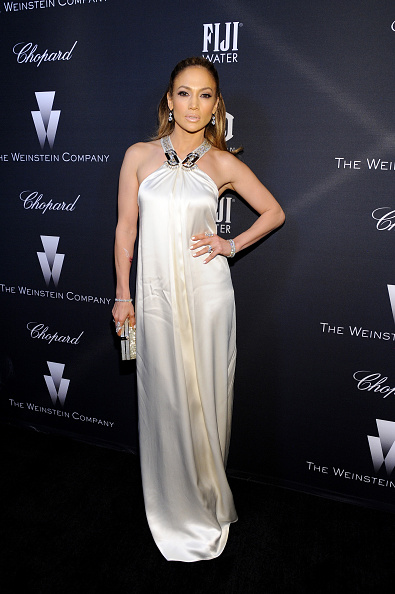 White Dress「FIJI Water At The Weinstein Company's Academy Awards Nominees Dinner In Partnership With Chopard, DeLeon Tequila, FIJI Water And MAC Cosmetics」:写真・画像(18)[壁紙.com]