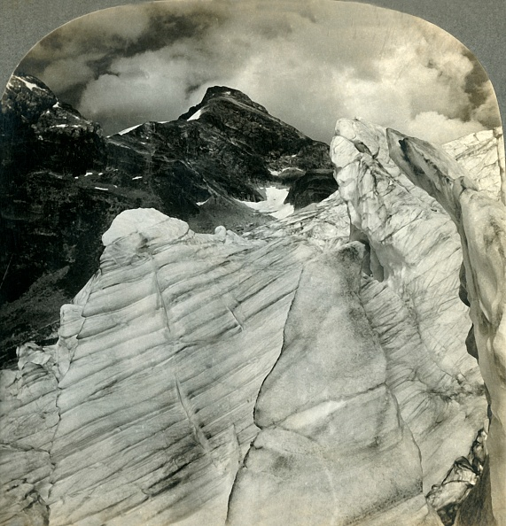 Textured「Glacial View In The Canadian Rockies」:写真・画像(9)[壁紙.com]