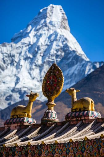 Khumbu「Tenboche Monastery entrance gate near Ama Dablam」:スマホ壁紙(14)