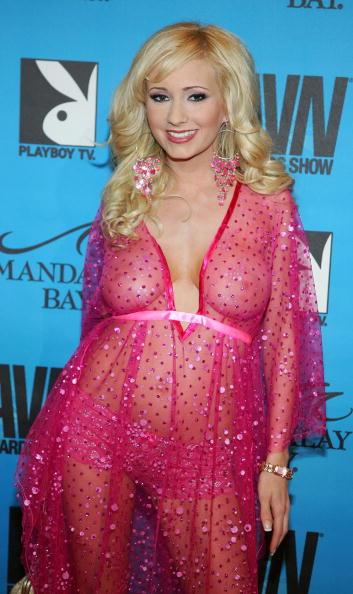 Sheer Fabric「The AVN Awards At Mandalay Bay - Arrivals」:写真・画像(3)[壁紙.com]