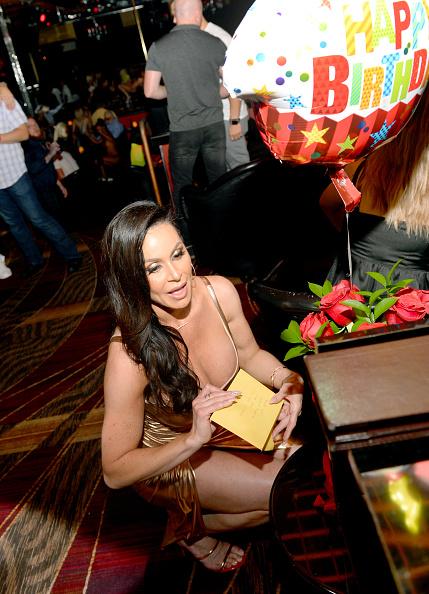 Birthday Card「Adult Film Star Kendra Lust Celebrates Birthday Party At Crazy Horse 3 In Las Vegas」:写真・画像(16)[壁紙.com]
